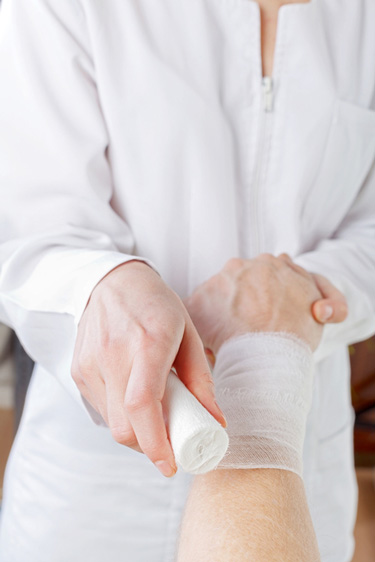 Blog - First aid for hand injuries-a beginners guide